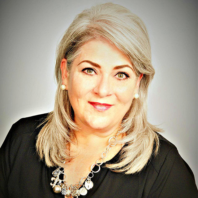 Janet Vidal Photo | Associate Agent & Office Manager | Chattanooga